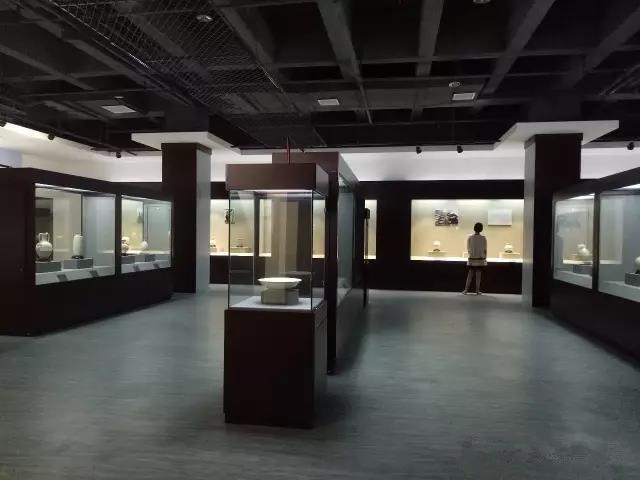 定窑瓷器展厅2_副本.jpg