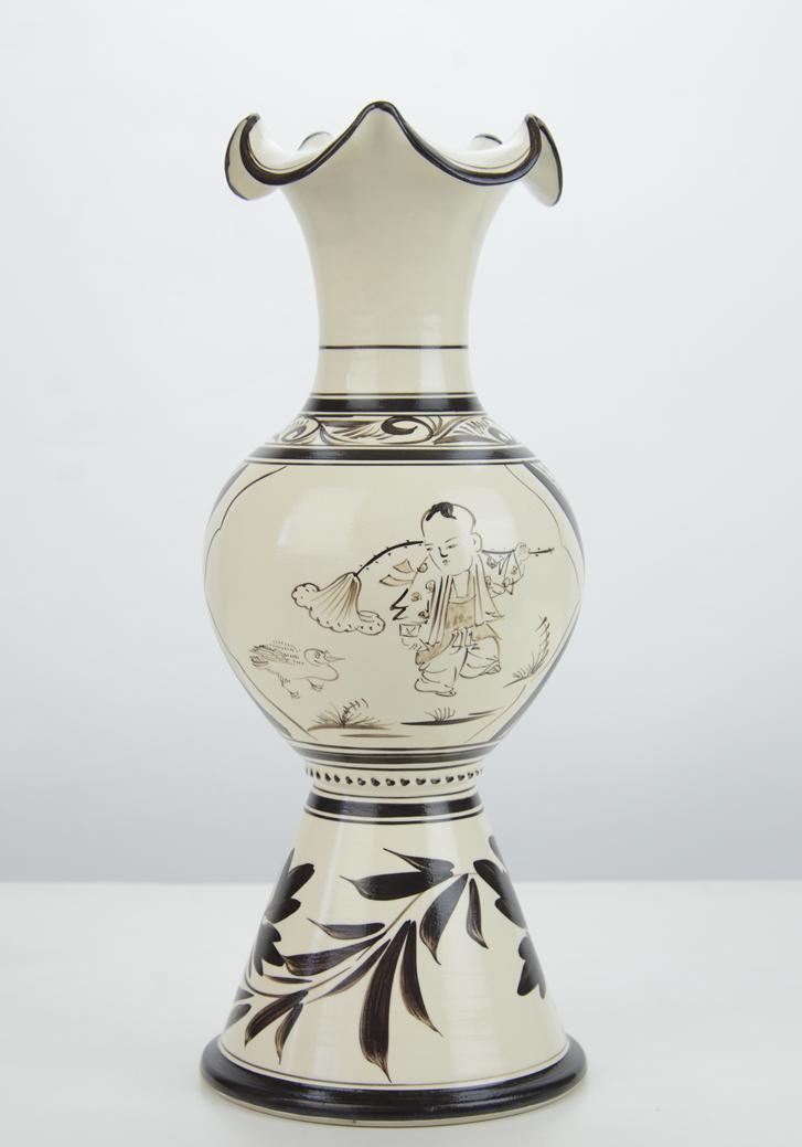 姚红川+童戏荷口瓶+37厘米x14厘米+陶瓷 (1)_副本.png